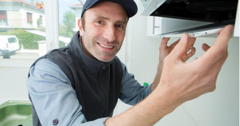 ココナラミーツでキッチンの換気扇メンテナンスをプロに依頼