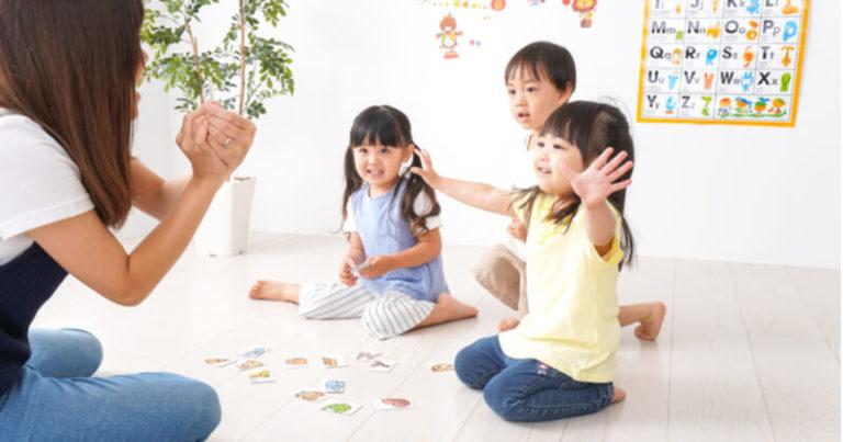 英会話を子供に習わせたい!楽しみながらスピーディーに話せるようになるコツ